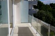Glass balustrades & handrail support example no. 2